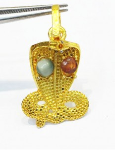 Kaalsarp dosh Pendant with (Gomed) Garnet for rahu Cat's Eye for ketu