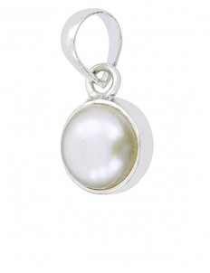 3.25 ratti Natural Moti/Pearl Silver Locket/Pendant for Child Protection